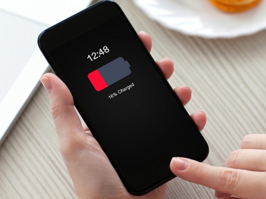 دلیل زود خالی شدن باتری آیفون چیست