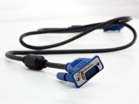 کابل VGA چیست و چه کاربردی دارد؟